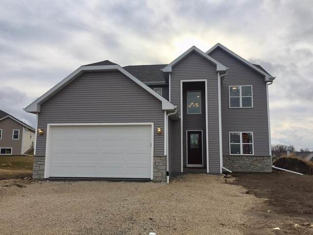727 Imperial Ct, Hartford, WI 53027 (#1679001) :: Tom Didier Real Estate Team