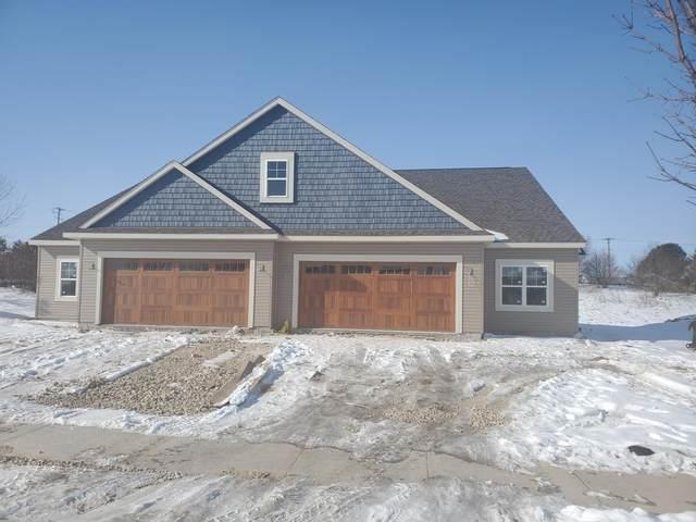 880 Bridlewood Dr #1, Hartford, WI 53027 (#1679660) :: Tom Didier Real Estate Team