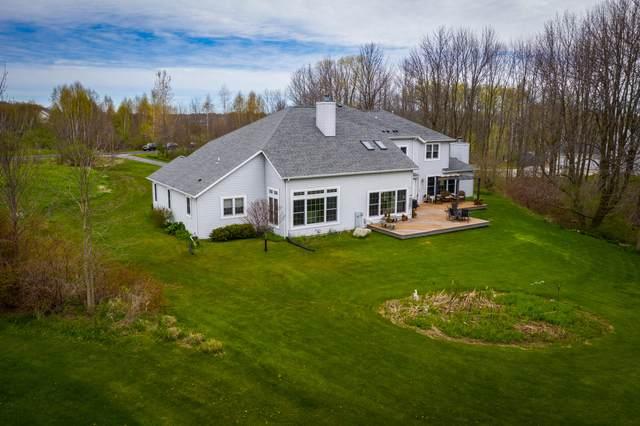 5099 Lower Lakeview Ridge Rd, Belgium, WI 53004 (#1680174) :: Tom Didier Real Estate Team