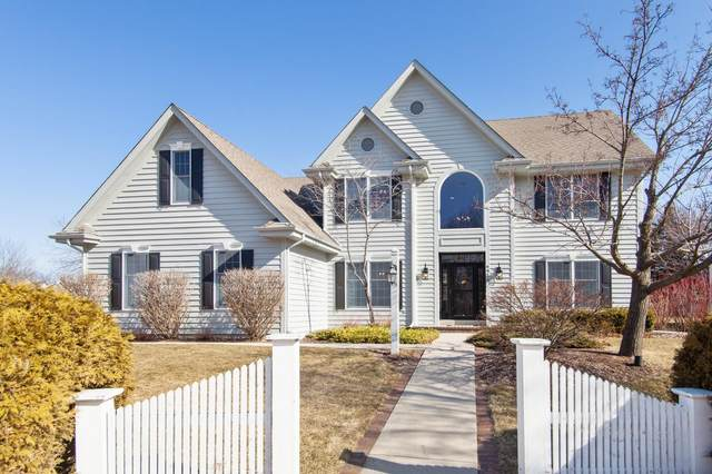 N30W6910 Lincoln Blvd, Cedarburg, WI 53012 (#1680191) :: Tom Didier Real Estate Team