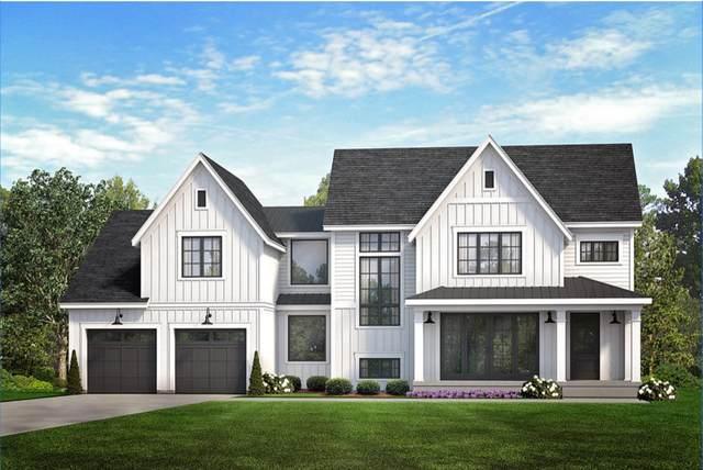 880 Sauganash Dr, Fontana, WI 53125 (#1680713) :: Tom Didier Real Estate Team