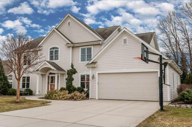 N106W5285 Sarangela Ct, Cedarburg, WI 53012 (#1680856) :: Tom Didier Real Estate Team