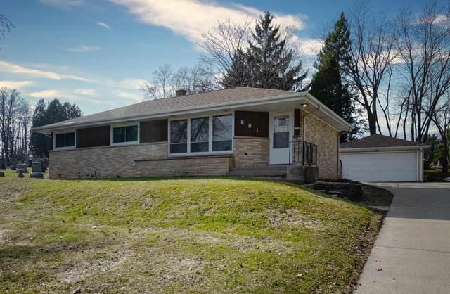 601 S Main St, Saukville, WI 53080 (#1681227) :: Tom Didier Real Estate Team