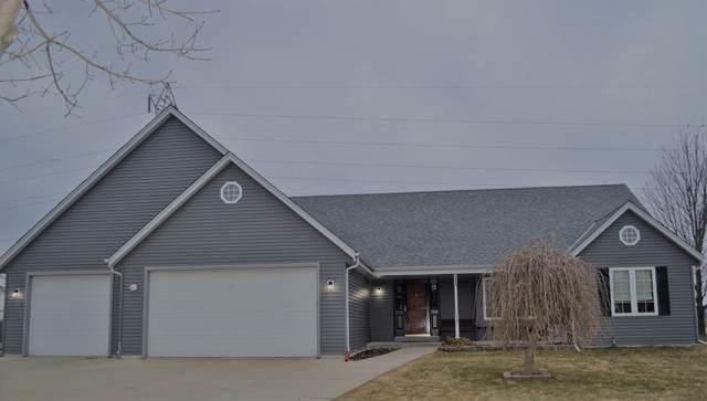 337 S Maple Ln, Saukville, WI 53080 (#1681495) :: Tom Didier Real Estate Team