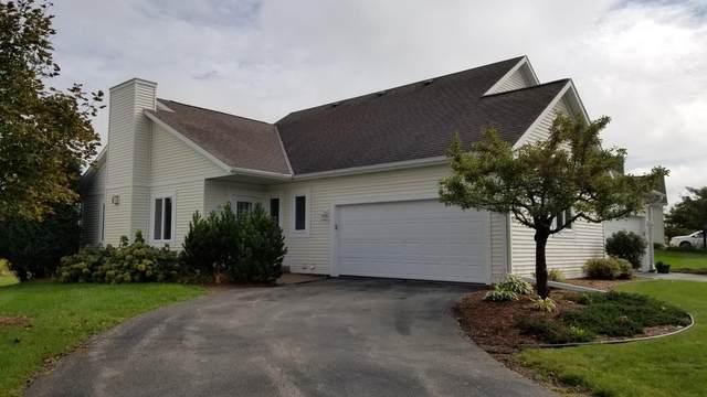 841 Bridlewood Dr, Hartford, WI 53027 (#1681635) :: Tom Didier Real Estate Team
