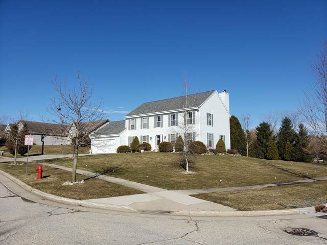 1258 Williams Dr, Mukwonago, WI 53149 (#1681810) :: RE/MAX Service First Service First Pros