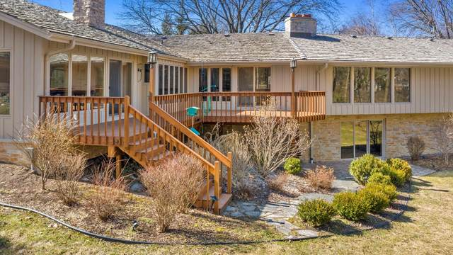 15025 Cascade Dr, Elm Grove, WI 53122 (#1682020) :: RE/MAX Service First Service First Pros
