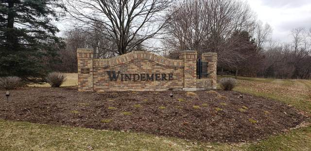 3856 Windemere Dr, Richfield, WI 53017 (#1682122) :: Tom Didier Real Estate Team