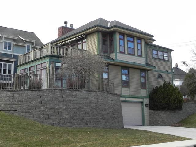 205 W Jackson St, Port Washington, WI 53074 (#1682198) :: Tom Didier Real Estate Team