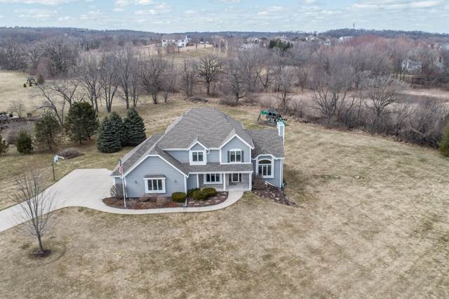 S80W29640 Shallow Waters Cir, Mukwonago, WI 53149 (#1682301) :: RE/MAX Service First Service First Pros