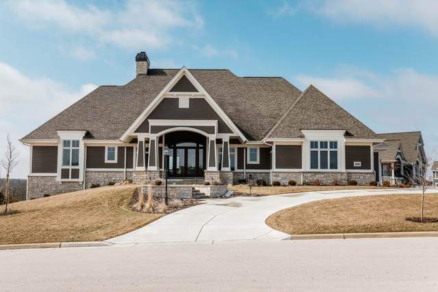 1626 Twisted Oak Ct, Hartland, WI 53029 (#1682446) :: NextHome Prime Real Estate