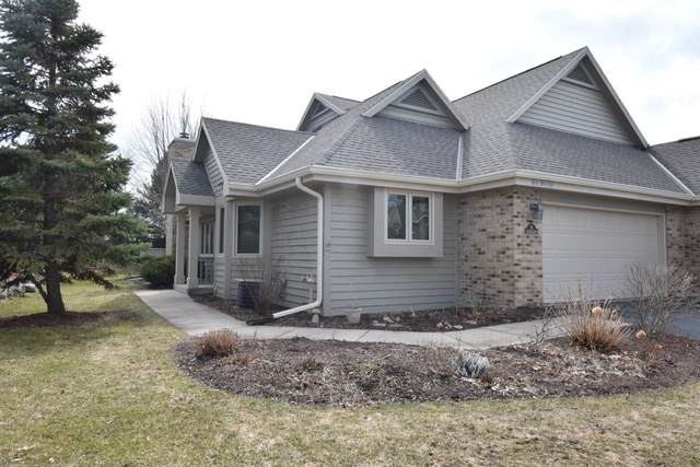 N21W24369 Cumberland Dr 35G, Pewaukee, WI 53072 (#1682466) :: RE/MAX Service First Service First Pros