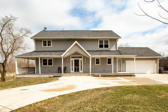 8427 S Racine Ave, Norway, WI 53185 (#1682530) :: RE/MAX Service First Service First Pros