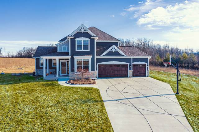 13960 Foxtail Ln, Mequon, WI 53097 (#1682600) :: Tom Didier Real Estate Team