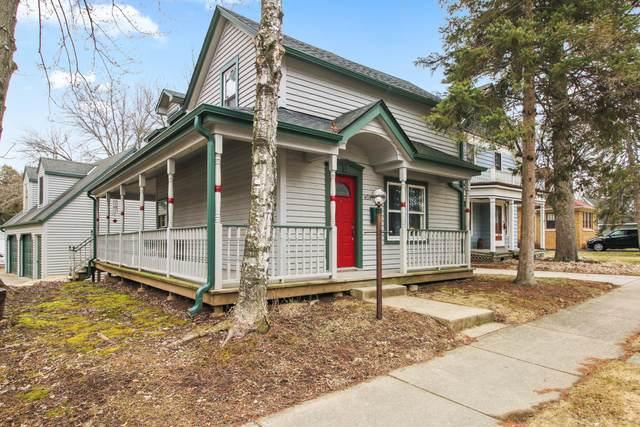 W58N438 Hilbert Ave, Cedarburg, WI 53012 (#1682623) :: Tom Didier Real Estate Team
