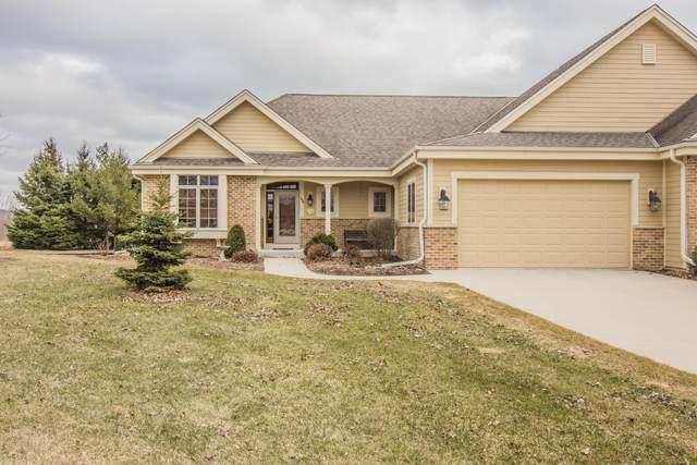 1434 Red Oak Dr, Hartford, WI 53027 (#1682644) :: Tom Didier Real Estate Team