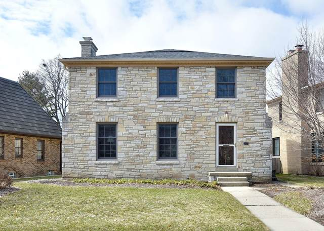 5515 N Hollywood Ave, Whitefish Bay, WI 53217 (#1682742) :: Tom Didier Real Estate Team