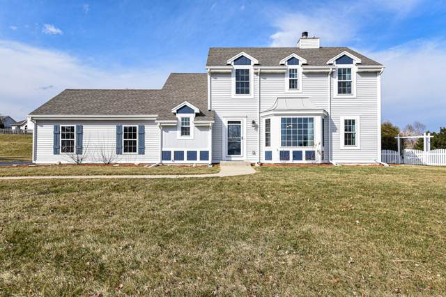 521 Fairview Cir, Waterford, WI 53185 (#1682829) :: RE/MAX Service First Service First Pros