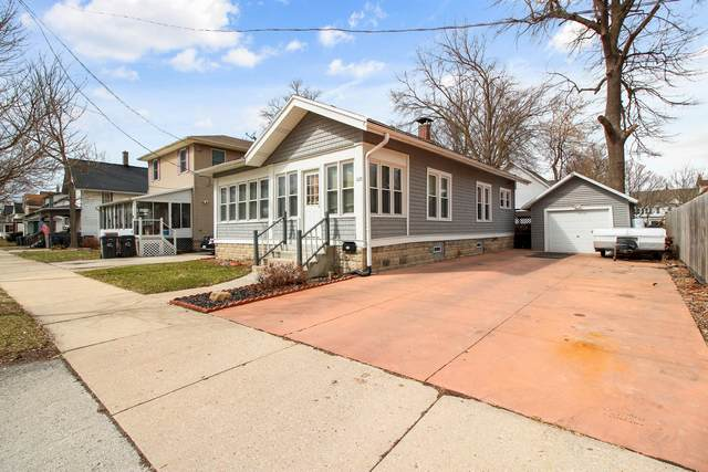 110 Cook St, Waukesha, WI 53186 (#1682832) :: RE/MAX Service First Service First Pros