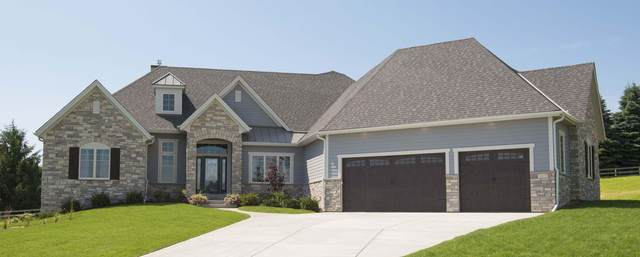 2205 W Ranch Rd, Mequon, WI 53092 (#1682868) :: Tom Didier Real Estate Team
