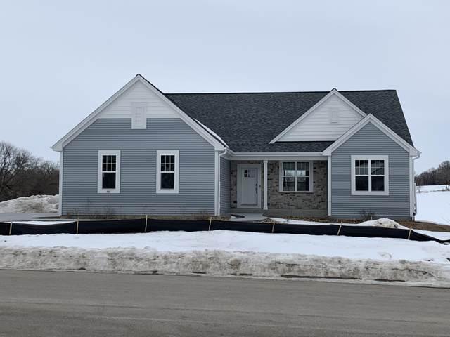 723 Autumn Ridge Ln, Hartford, WI 53027 (#1682908) :: Tom Didier Real Estate Team