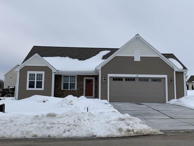 728 Autumn Ridge Ln, Hartford, WI 53027 (#1682910) :: Tom Didier Real Estate Team