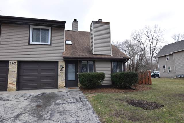 127 Garfield Ave A, Waukesha, WI 53186 (#1682954) :: RE/MAX Service First Service First Pros