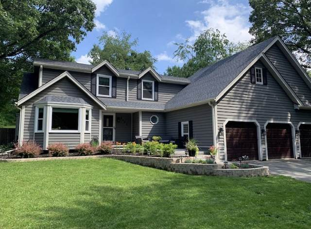 4423 Golf Dr, Waterford, WI 53185 (#1682977) :: RE/MAX Service First Service First Pros