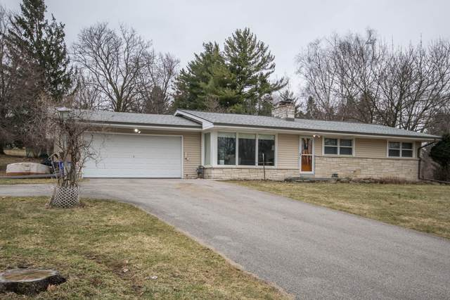 19225 Brookdale Dr, Brookfield, WI 53045 (#1683030) :: RE/MAX Service First Service First Pros