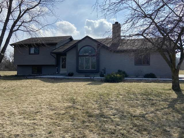 7204 Whippoorwill Ct, Norway, WI 53185 (#1683042) :: RE/MAX Service First Service First Pros