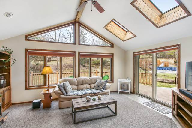 1803 N 18th Ave, West Bend, WI 53090 (#1683084) :: RE/MAX Service First