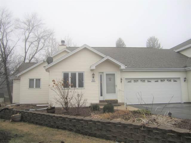N13W6867 Pheasant Ct, Cedarburg, WI 53012 (#1683090) :: Tom Didier Real Estate Team