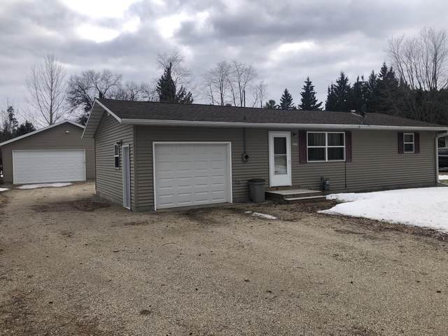 1513 Kaby Ave, Crivitz, WI 54114 (#1683092) :: RE/MAX Service First