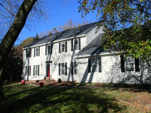 N24W30912 Fairway Ct, Delafield, WI 53072 (#1683093) :: RE/MAX Service First