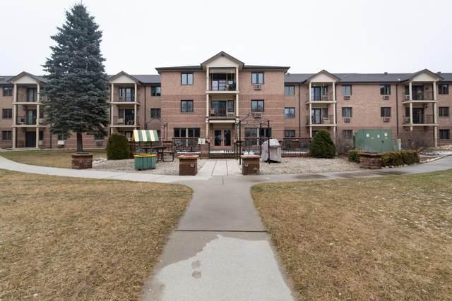 530 N Silverbrook Dr #232, West Bend, WI 53090 (#1683111) :: Tom Didier Real Estate Team