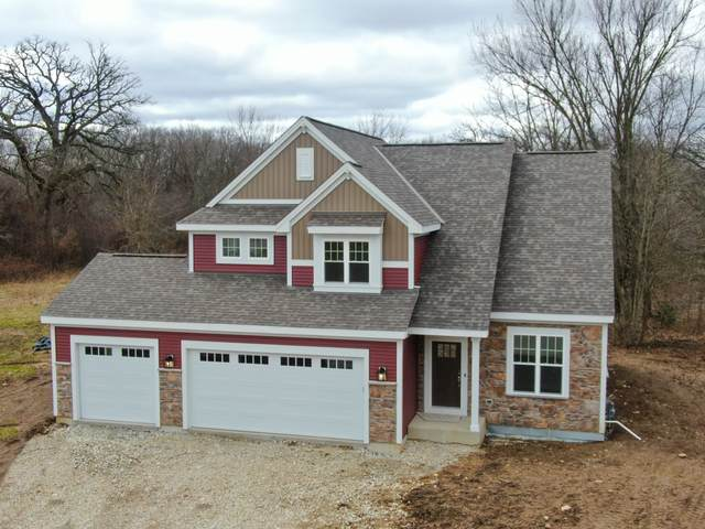 901 Foxwalk Dr, Waterford, WI 53185 (#1683163) :: OneTrust Real Estate