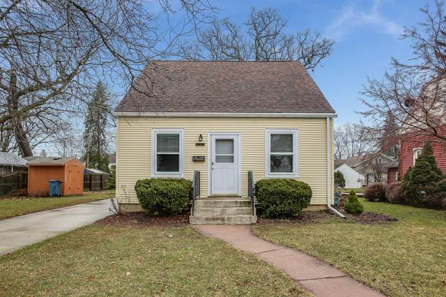5717 38th Ave, Kenosha, WI 53144 (#1683198) :: RE/MAX Service First Service First Pros