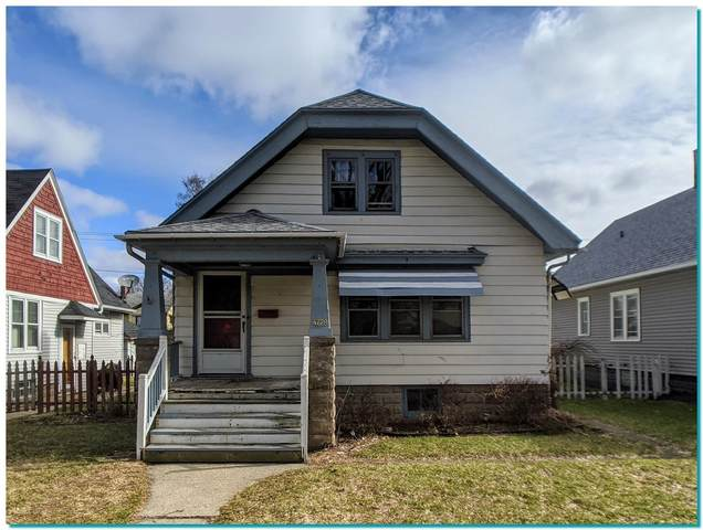 4728 W Medford Ave, Milwaukee, WI 53216 (#1683219) :: RE/MAX Service First Service First Pros