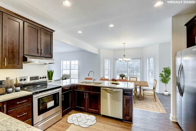 5840 W Cairdel Ln, Mequon, WI 53092 (#1683303) :: Tom Didier Real Estate Team