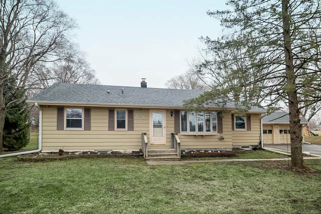 W229S8610 Big Bend Dr, Vernon, WI 53103 (#1683355) :: RE/MAX Service First Service First Pros
