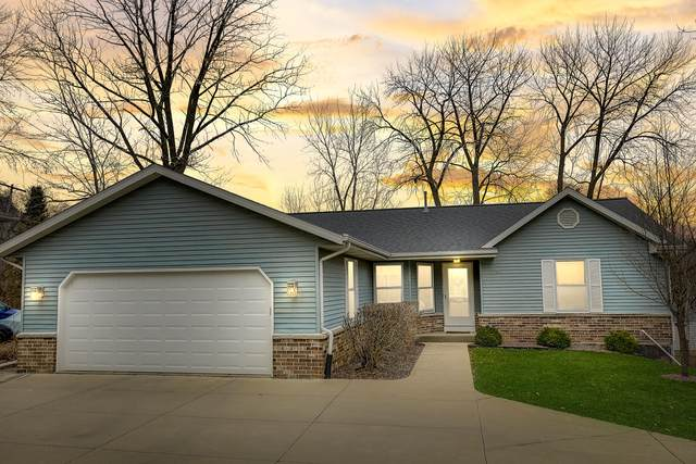 1130 Tower Hill Dr, Brookfield, WI 53045 (#1683451) :: Tom Didier Real Estate Team