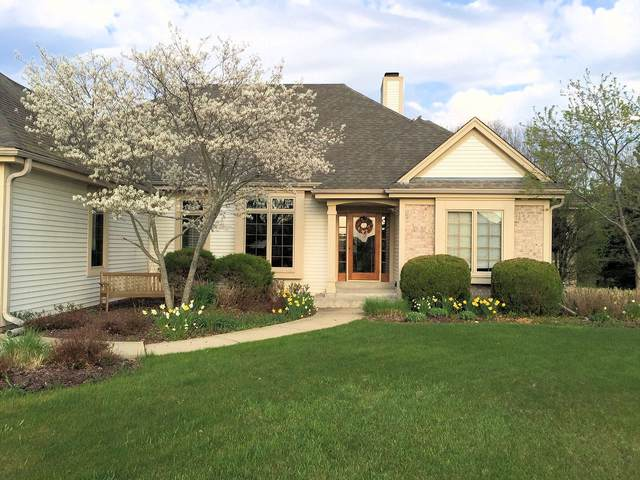 10351 S Justin Dr, Oak Creek, WI 53154 (#1683595) :: RE/MAX Service First Service First Pros