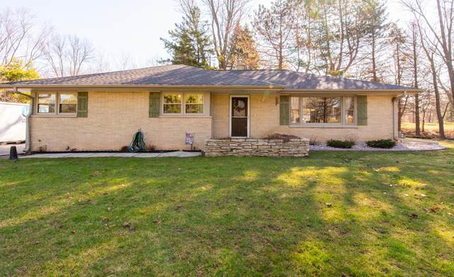 2310 S Lombardy, New Berlin, WI 53151 (#1683617) :: RE/MAX Service First Service First Pros
