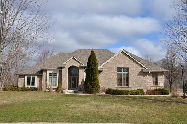S88 W19556 Timberbrook Dr, Muskego, WI 53150 (#1683662) :: RE/MAX Service First Service First Pros