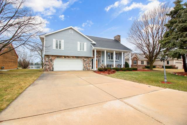 W164N11127 Kingsway, Germantown, WI 53022 (#1683706) :: RE/MAX Service First Service First Pros