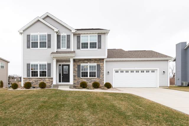 10060 S Chelsea Lee Ct, Oak Creek, WI 53154 (#1683754) :: RE/MAX Service First Service First Pros
