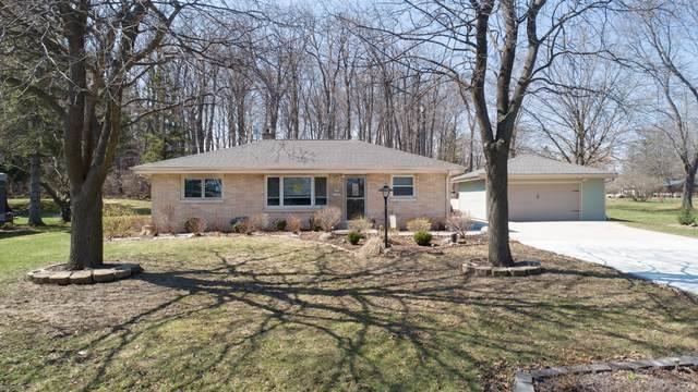 W205N11335 Fox Ln, Germantown, WI 53022 (#1683787) :: RE/MAX Service First Service First Pros