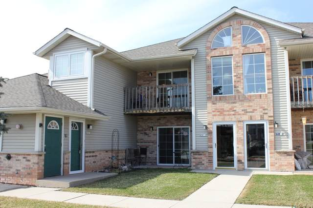 628 Shepherds Dr #5, West Bend, WI 53090 (#1683799) :: RE/MAX Service First Service First Pros