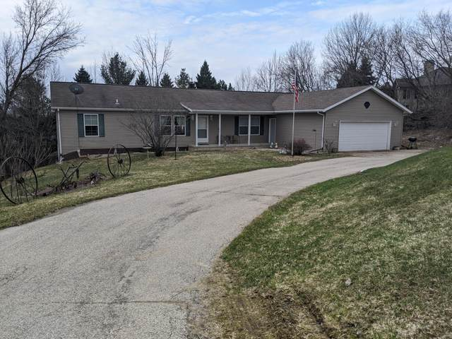 445 Grandview Cir, Adell, WI 53001 (#1683850) :: OneTrust Real Estate
