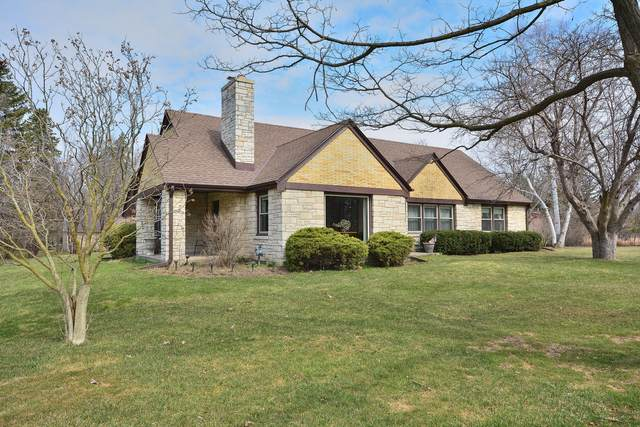13526 W Prospect Dr, New Berlin, WI 53151 (#1683903) :: RE/MAX Service First Service First Pros